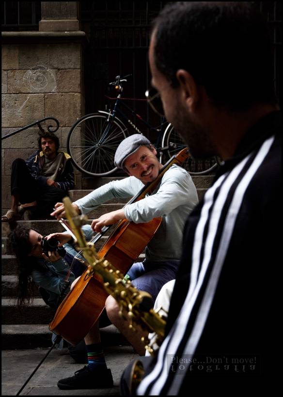 Fotografía-Cello-saxo-música-callejera-II