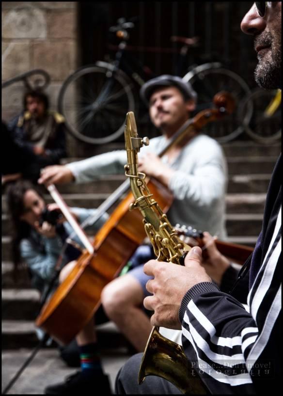 Fotografía-Cello-saxo-música-callejera