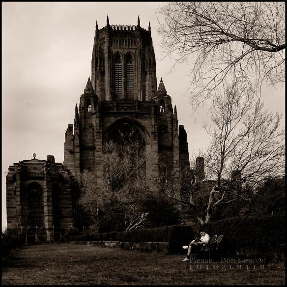 La catedral de Liverpool, diseñada por Giles Glbert Scott, al ganar el concurso que convocó la arquidiócesis de Liverpool en 1901, cuando aún era un estudiante de arquitectura.